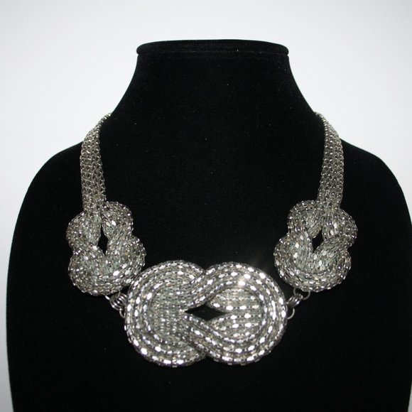 """Beautiful silver knot necklace 21"""""""